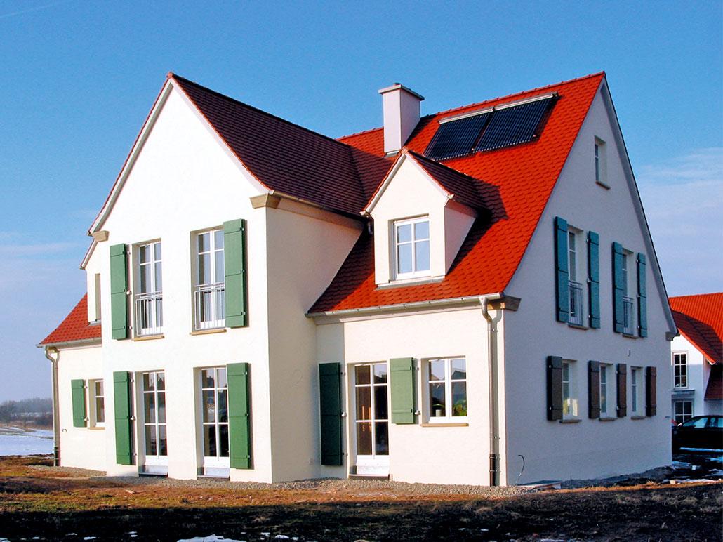 Referenzhaus mit Heizung und Solaranlage von Bächner